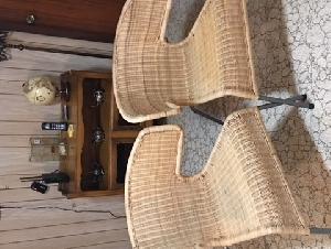 两把Ikea藤椅